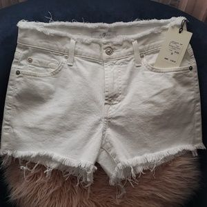NWT 7 For All Mankind frayed shorts